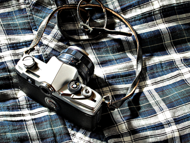 カメラと服